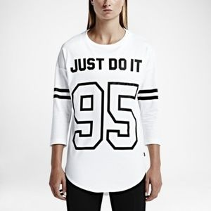 Nike Just Do It 95 Graphic 3/4 Sleeve Tee